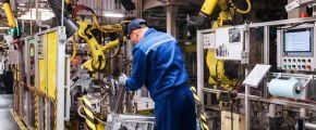 Производство автомобилей на заводе