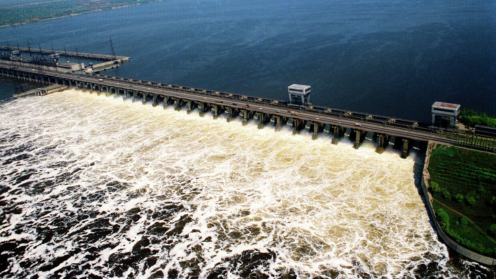 Водохранилище Волжской ГЭС во время половодья