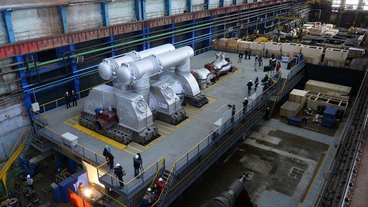 Церемония передачи самой крупной в мире паровой турбины Т-295 в Екатеринбурге