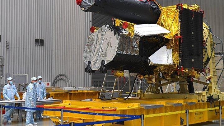 "Космический аппарат ""Спектр-РГ"" перед отправкой на Байконур"