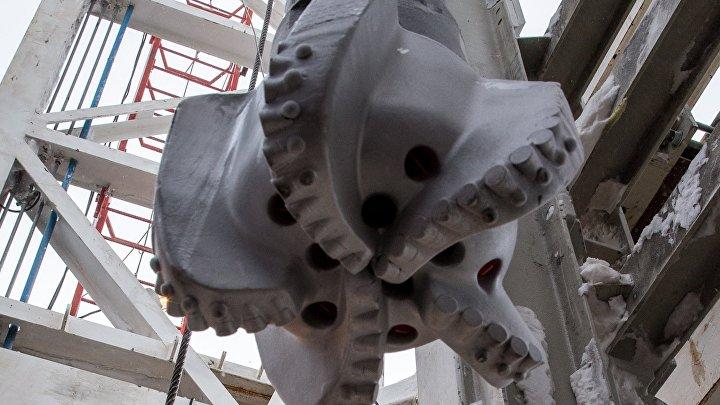 """Буровая установка на месте бурения нефтяной компанией """"Роснефть"""" скважины """"Центрально-Ольгинская-1"""" на Хатангском лицензионном участке."""